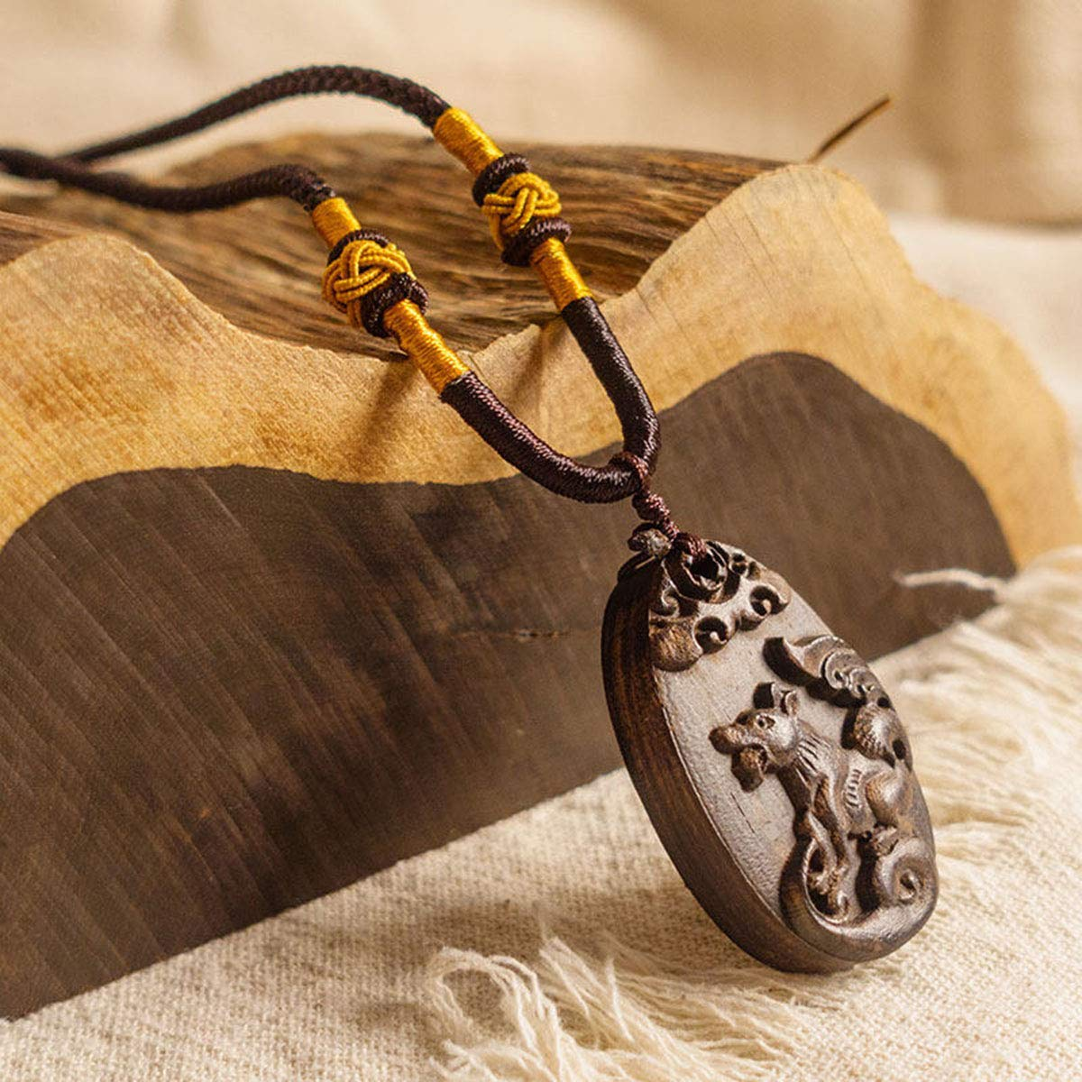 Onlyfo Vintage Wooden Dog Oval Pendant Necklace with Jewelry Box,Dog Necklace for Women,Men (Black)