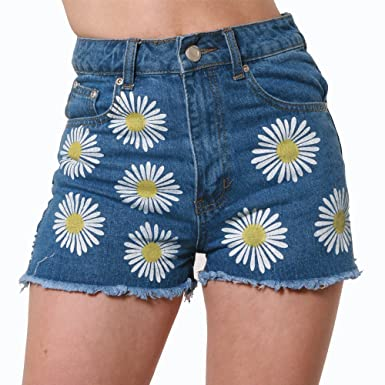 983252614b0 LOVETRENDS Daisy Print Denim Hotpants In Blue Festival Jean Shorts UK Sizes  6-14  Amazon.co.uk  Clothing