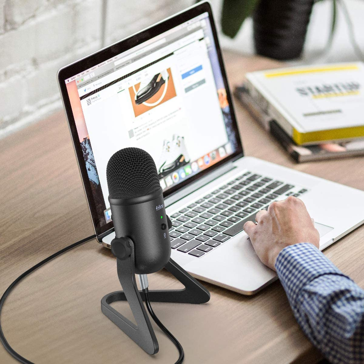 FIFINE USB Podcast Microphone for PC and Mac