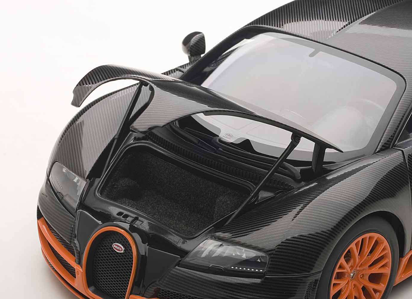 Bon Amazon.com: Autoart 1/18 Bugatti Veyron Super Sport (Carbon Black /  Orange): Toys U0026 Games