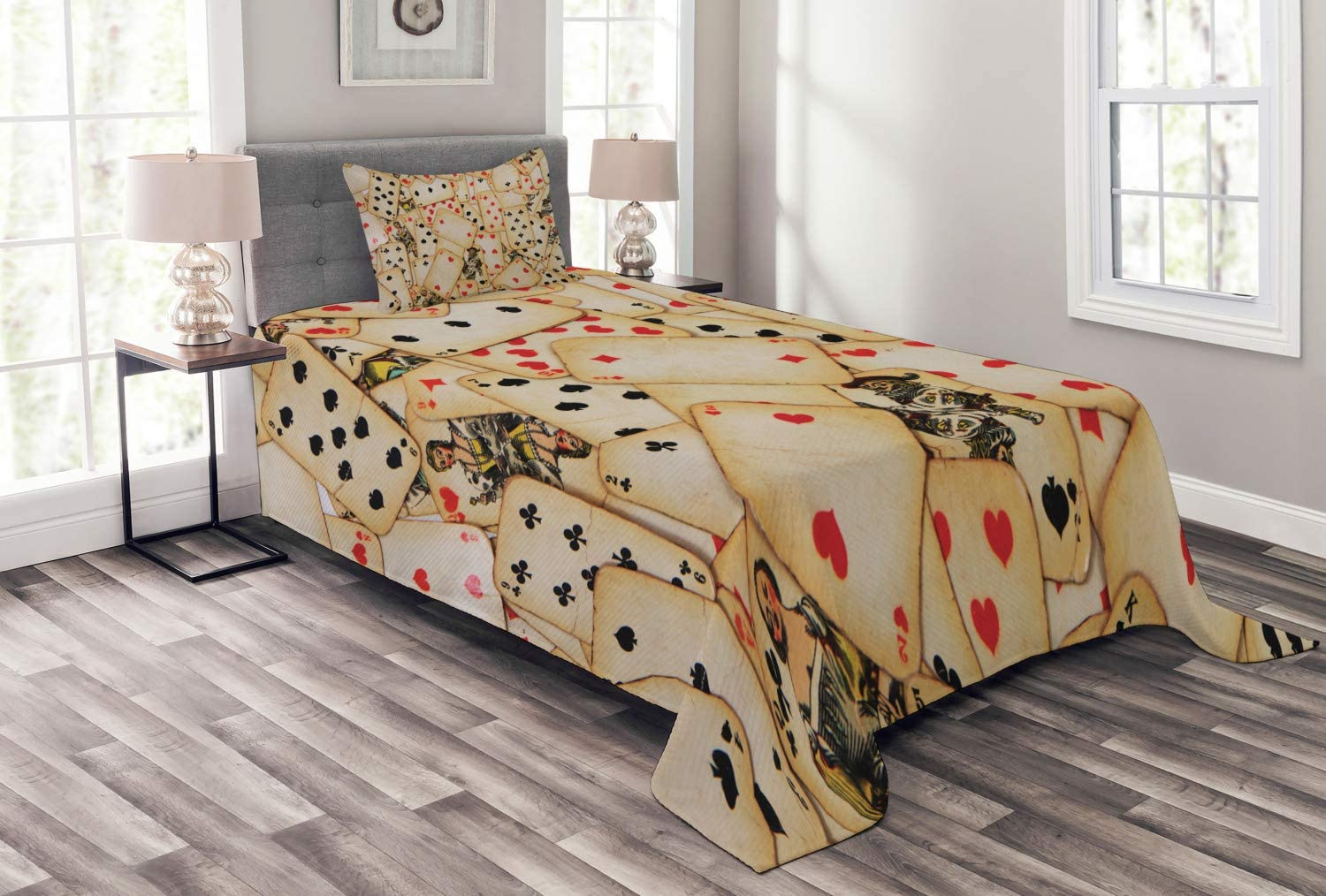 Ambesonne Casino Bedspread, Old Playing Cards Themed Vintage Classic Style Entertaining Wealth Fortune, Decorative Quilted 2 Piece Coverlet Set with Pillow Sham, Twin Size, Beige Black