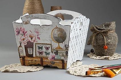 Caja para bombon hecha a mano para casa cajita de madera tecnica decoupage