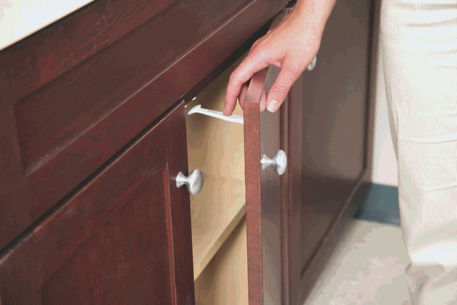 Safety 1st Cabinet and Drawer Latches, 7-Count by Safety 1st (Image #1)