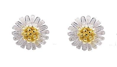 Sweet Daisy Flower Stud Earrings (In Organza Pouch). XmcgAzrw