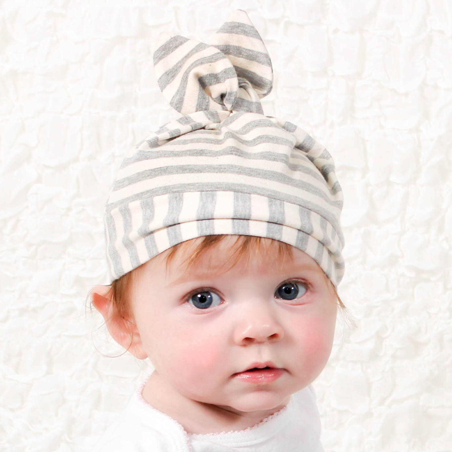 Cozy Cocoon Baby Cocoon Swaddle and Matching Hat, Gray Stripes, 0-3 months by Cozy Cocoon (Image #5)