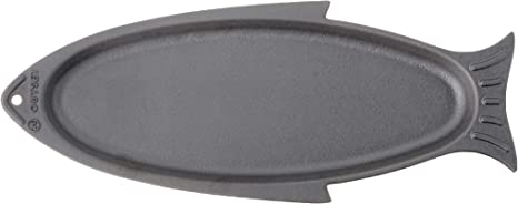 Amazon Com Outset 76376 Fish Cast Iron Grill And Serving Pan Home Kitchen