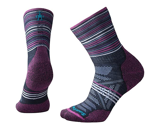 9635adbd0 Smartwool Women's PhD Outdoor Light Pattern Mid Crew Socks at Amazon ...