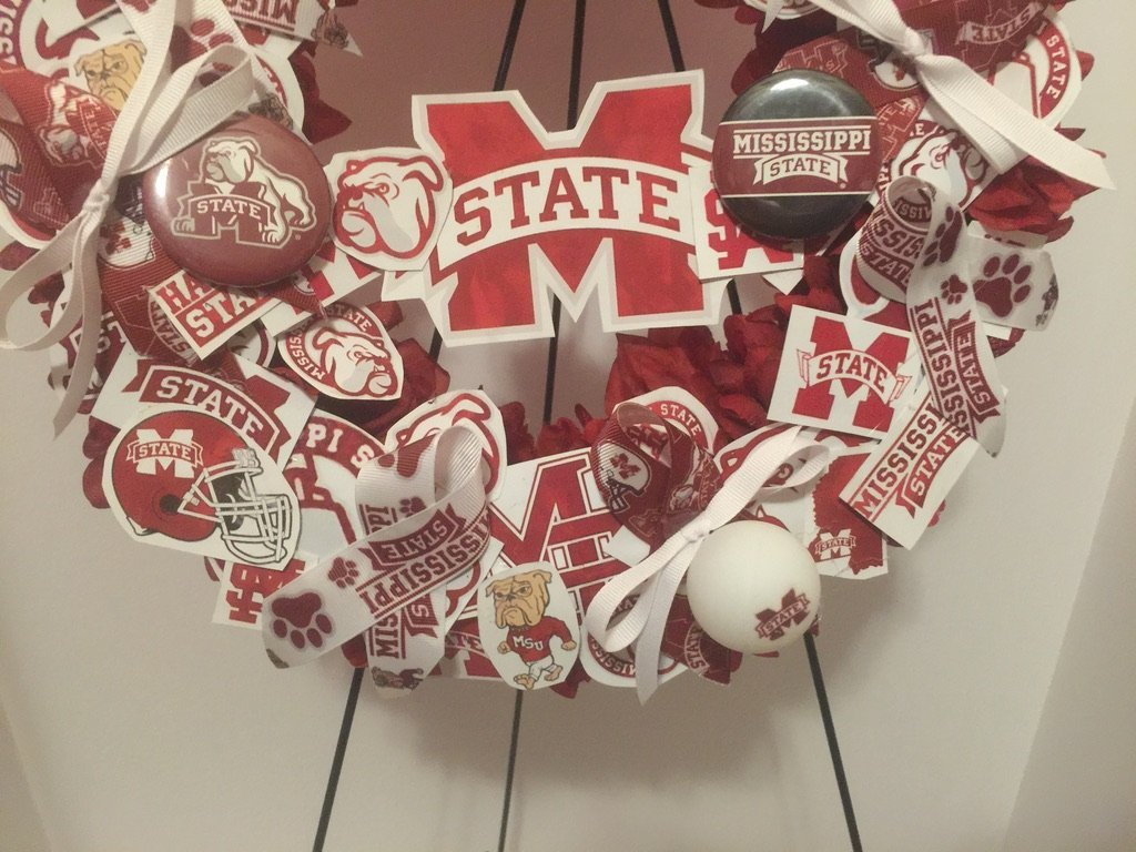 COLLEGE PRIDE - MSU -MISSISSIPPI STATE UNIVERSITY - BULLDOGS - DAWGS - DORM DECOR - DORM ROOM - COLLECTOR WREATH - MAROON DAHLIAS AND CHRYSANTHEMUMS by Peters Partners Design (Image #6)