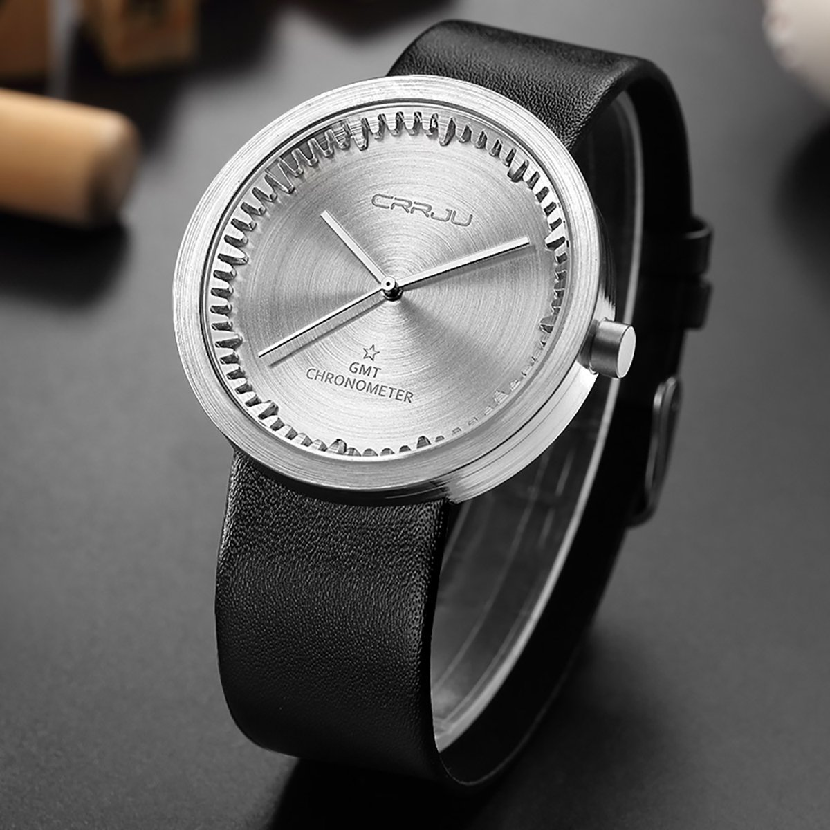 MODIWEN Casual Men Wristwatch with Leather Strap Alloy Case Male Military Watches