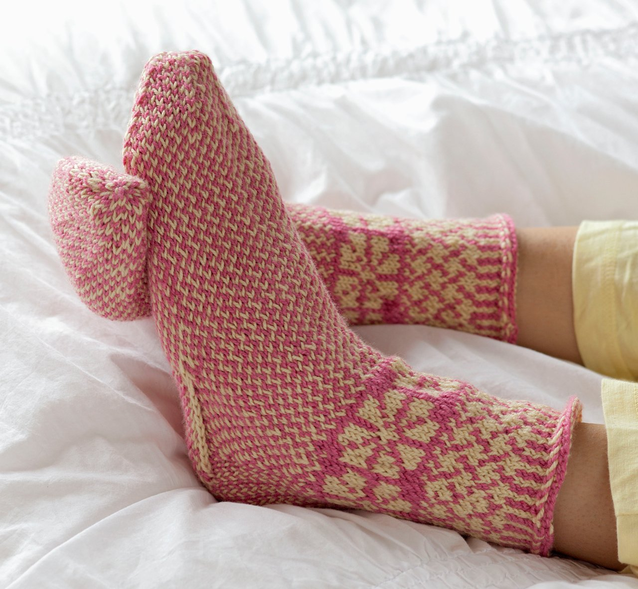 Knitting Scandinavian Slippers and Socks: Laura Farson ...