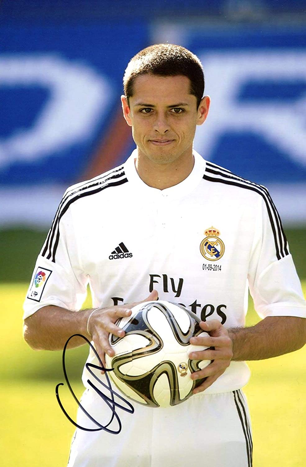 new product 955c7 385eb Amazon.com: SOCCER Chicharito Javier Hernández REAL MADRID ...