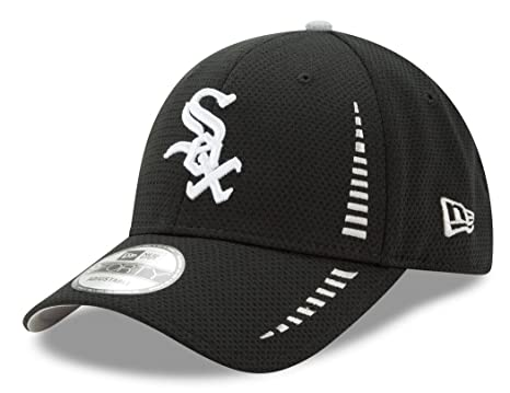 2e39290ee45 Image Unavailable. Image not available for. Color  New Era Chicago White Sox  9Forty MLB Speed Performance Adjustable Hat - Black