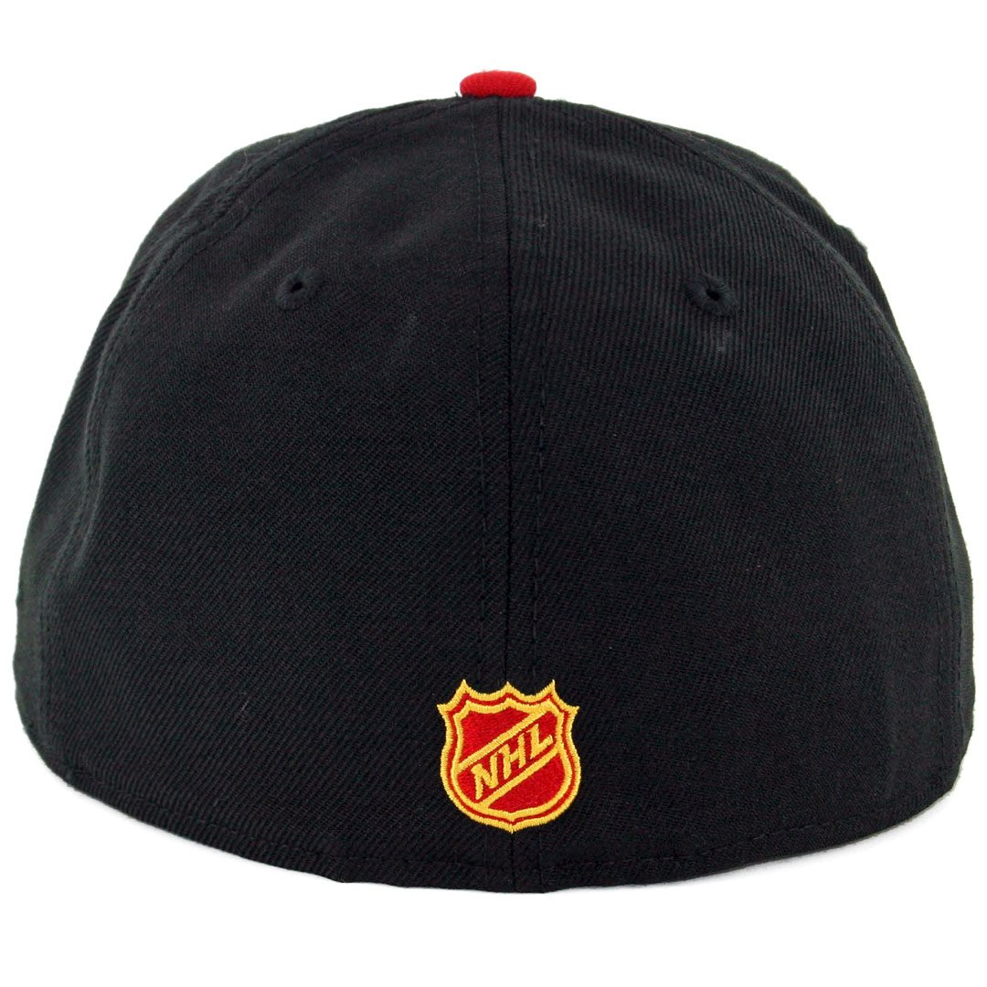 28a17e66aeb Amazon.com   New Era 5950 Chicago Blackhawks Alternate Tomahawk Fitted Hat  (BK SRD) Cap   Sports   Outdoors