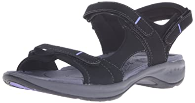 70ec396cebe Easy Spirit Women s EGNITA Flat Sandal Black 6 ...