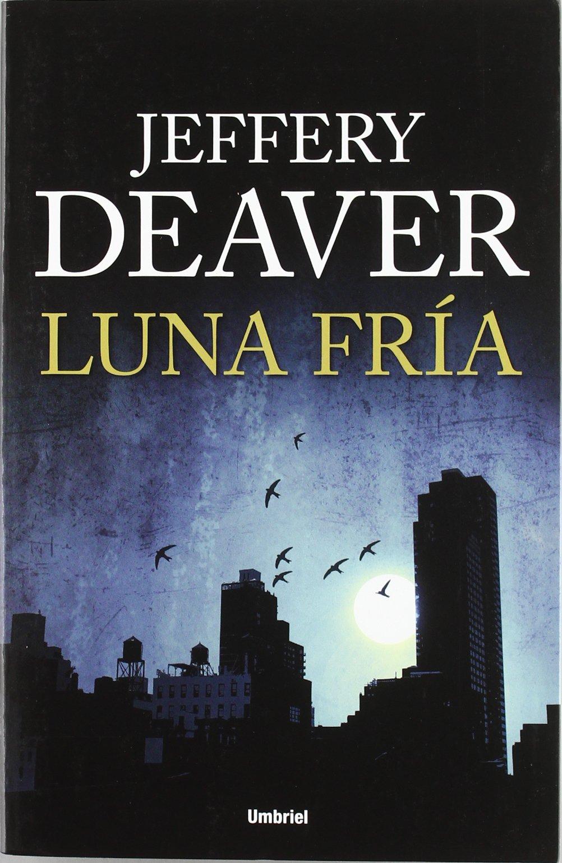 Luna Fria (Spanish) Paperback – Apr 1 2012