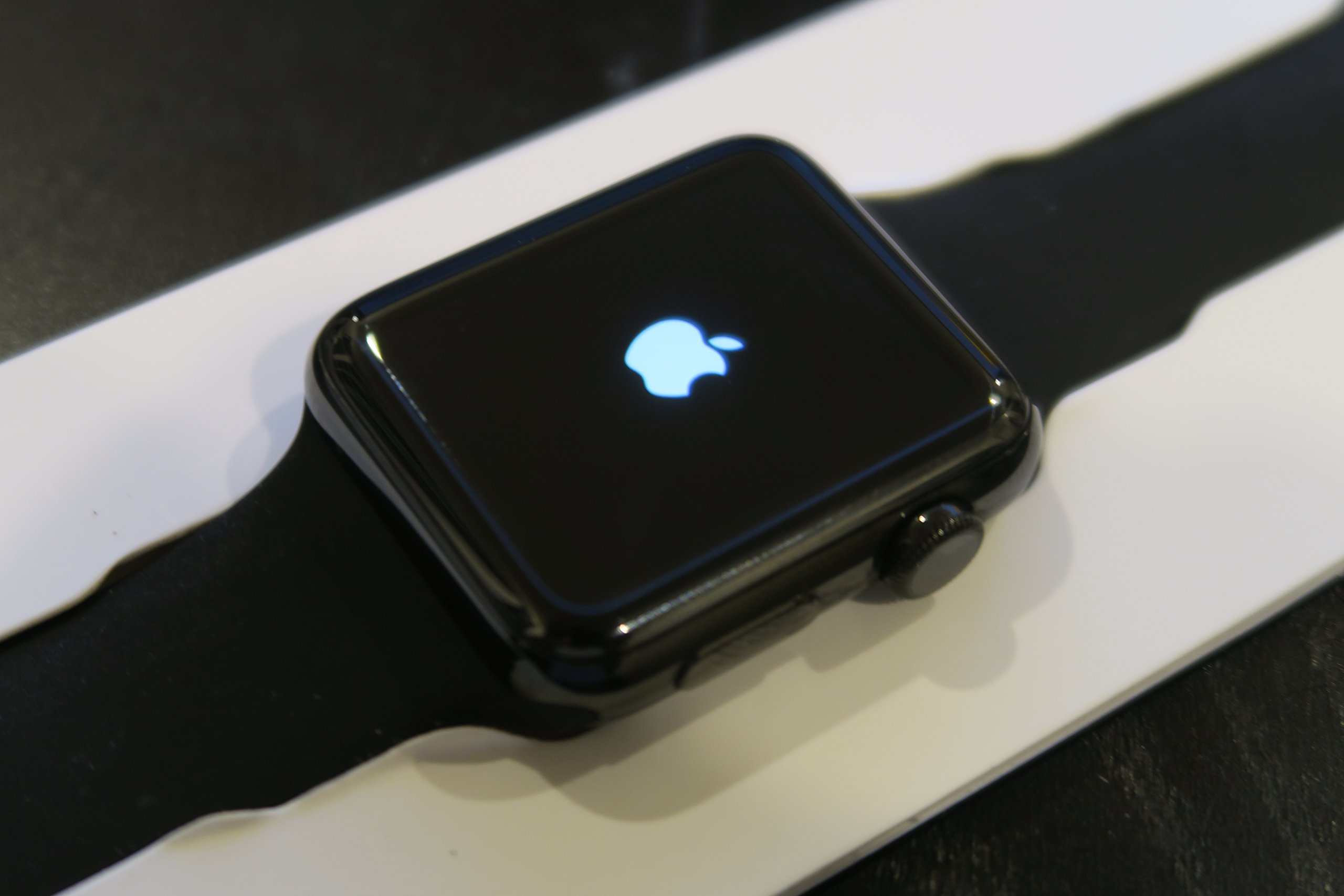 competitive price 1acd3 0c480 Apple Watch Series 2 42mm Smartwatch (Space Black Stainless Steel Case,  Space Black Sport Band)