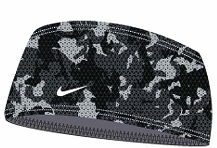 f725dd5cb660a Amazon.com   Nike Pro Combat Youth Battleground Skull Wrap (Black ...