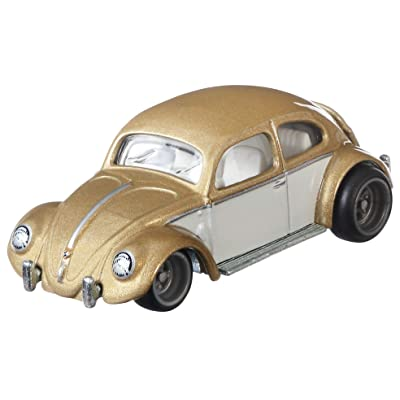 Hot Wheels VW Classic Bug Vehicle: Toys & Games