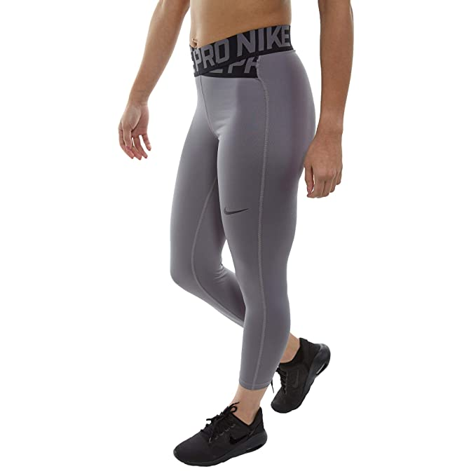 sale retailer 8afbe fa98f Nike Women s Intertwist 7 8 Crop Pants  Amazon.co.uk  Sports   Outdoors