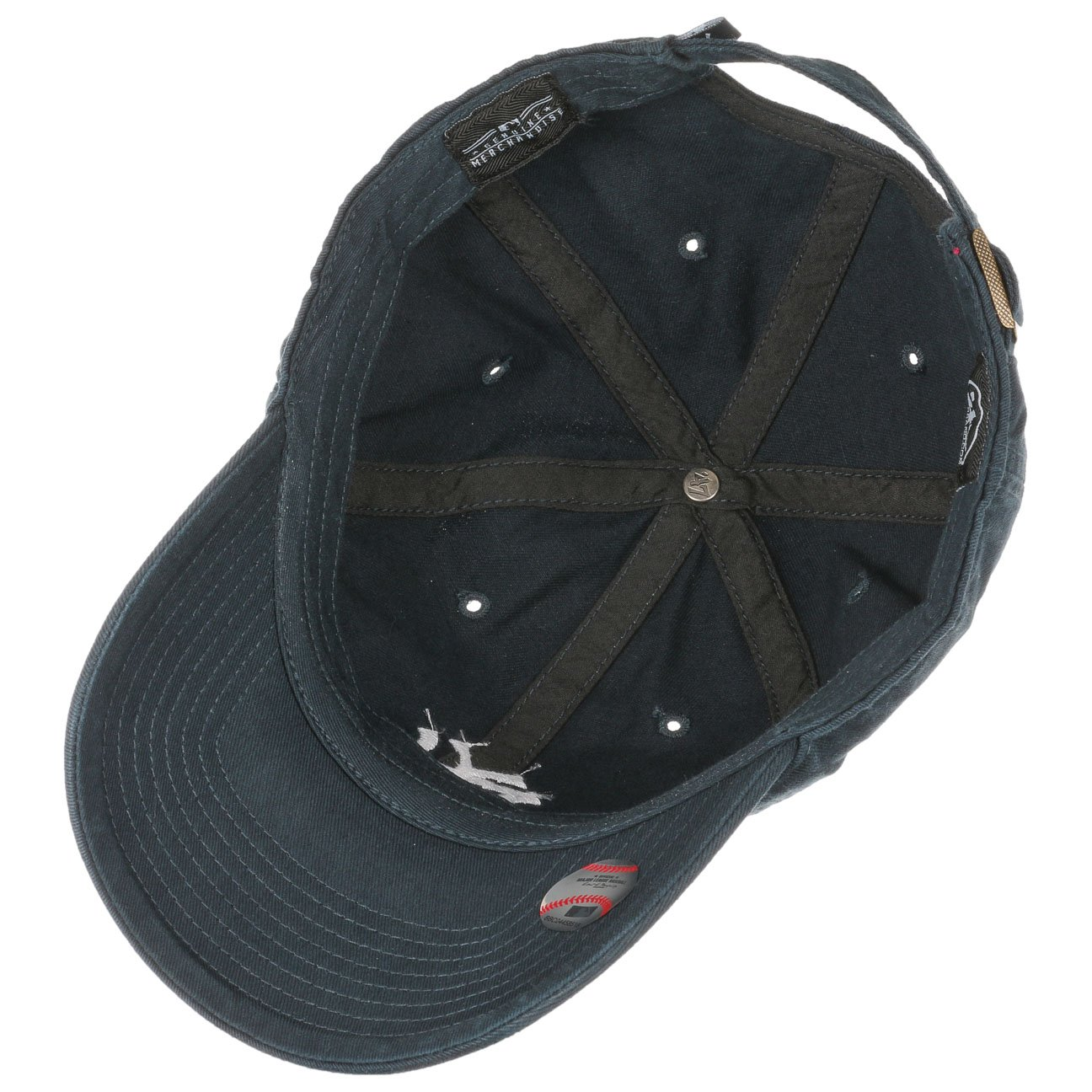brand new 7585a 0717e Amazon.com   47 MLB New York Yankees Brand Clean Up Adjustable Cap, One  Size, Black  Clothing