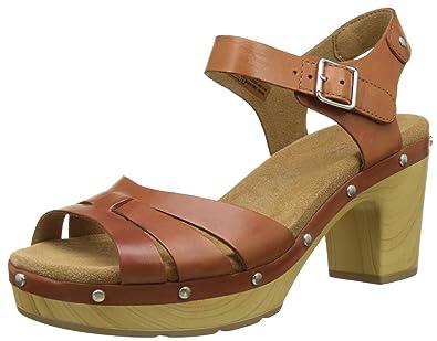 d1b9ab94c53 Clarks Women s Ledella Trail Sandals
