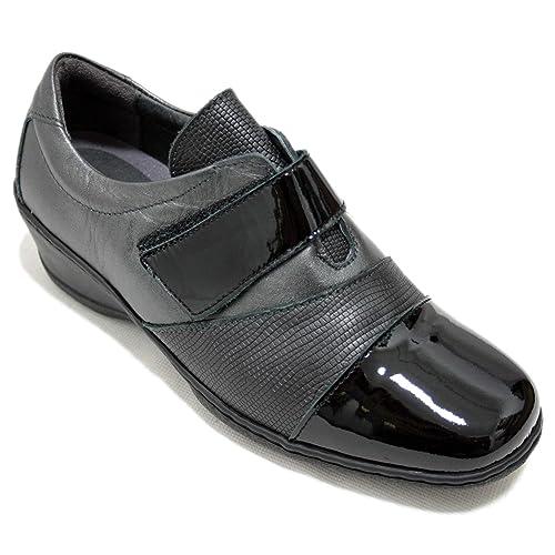 697ccbbe Notton 2208 - Zapatos Cómodos para Mujer con Cuña Anchos De Piel Negra con Punta  Brillante Y Velcro: Amazon.es: Zapatos y complementos