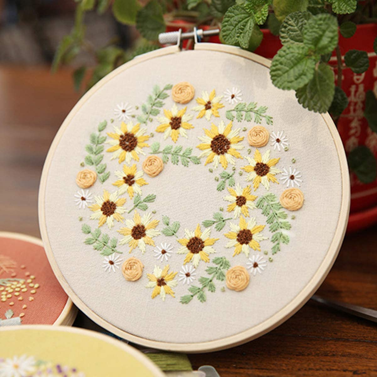 Bamboo Hook SunshineFace 2Pcs of Embroidery Starter Kit Floral Cross Stitch Kit for Beginners Adults Kids Patterned Embroidery Cloth Tools