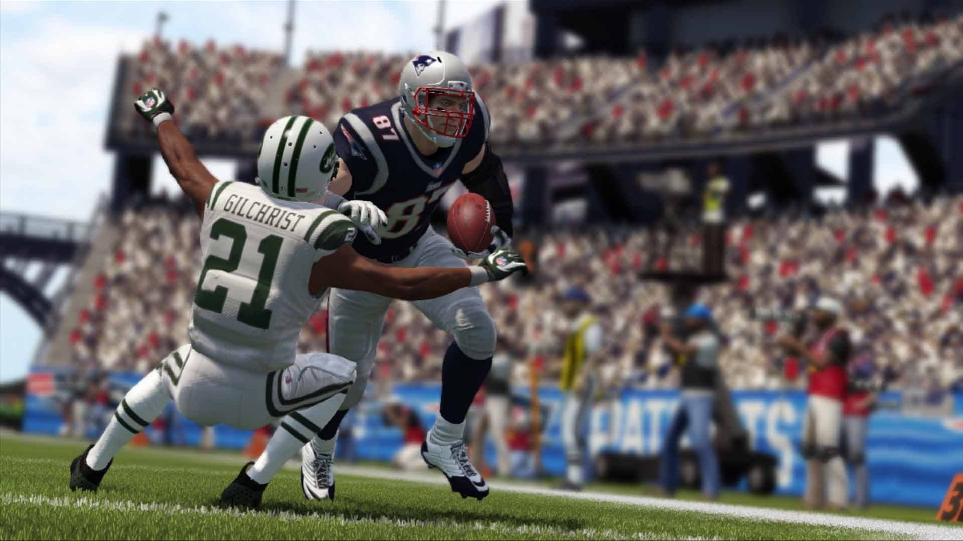 Madden NFL 17 - Standard Edition - PlayStation 4 by Electronic Arts (Image #2)