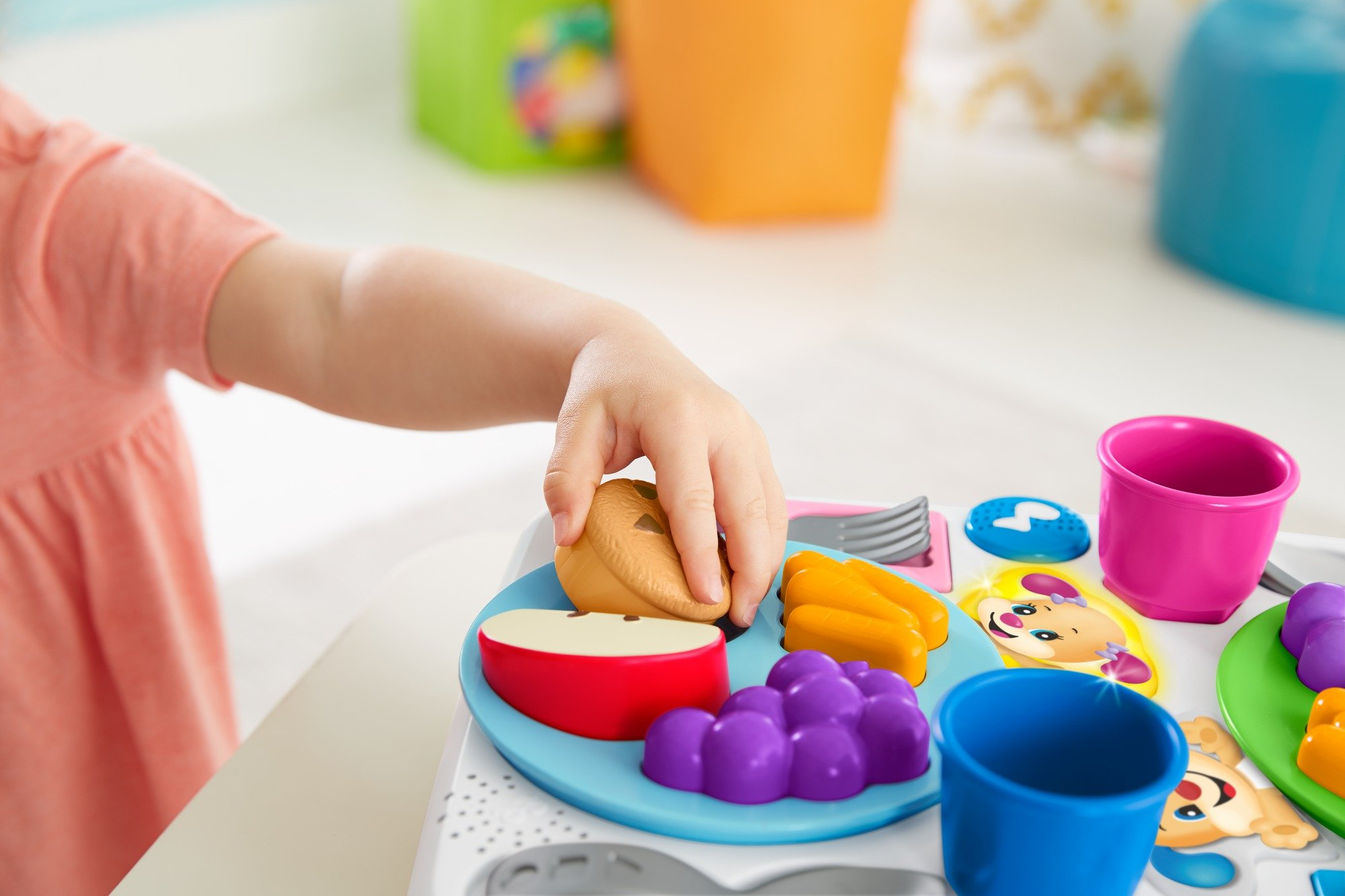 Fisher-Price FBM90 Say Please Snack Set, Laugh and Learn Toddler Kitchen and Food Role Play Toy, Suitable for 18 Months Plus by Fisher-Price (Image #3)