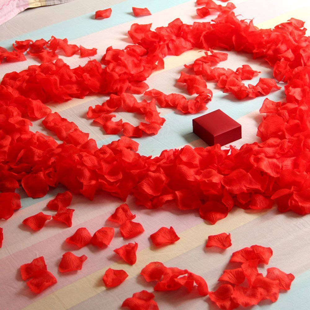 Artificial Red Rose Flower Petals - Large 2200 PCS Silk Red Rose Petals for Wedding Flowers Decoration for Wedding Party Vase Home Decor Christmas Flower Decoration