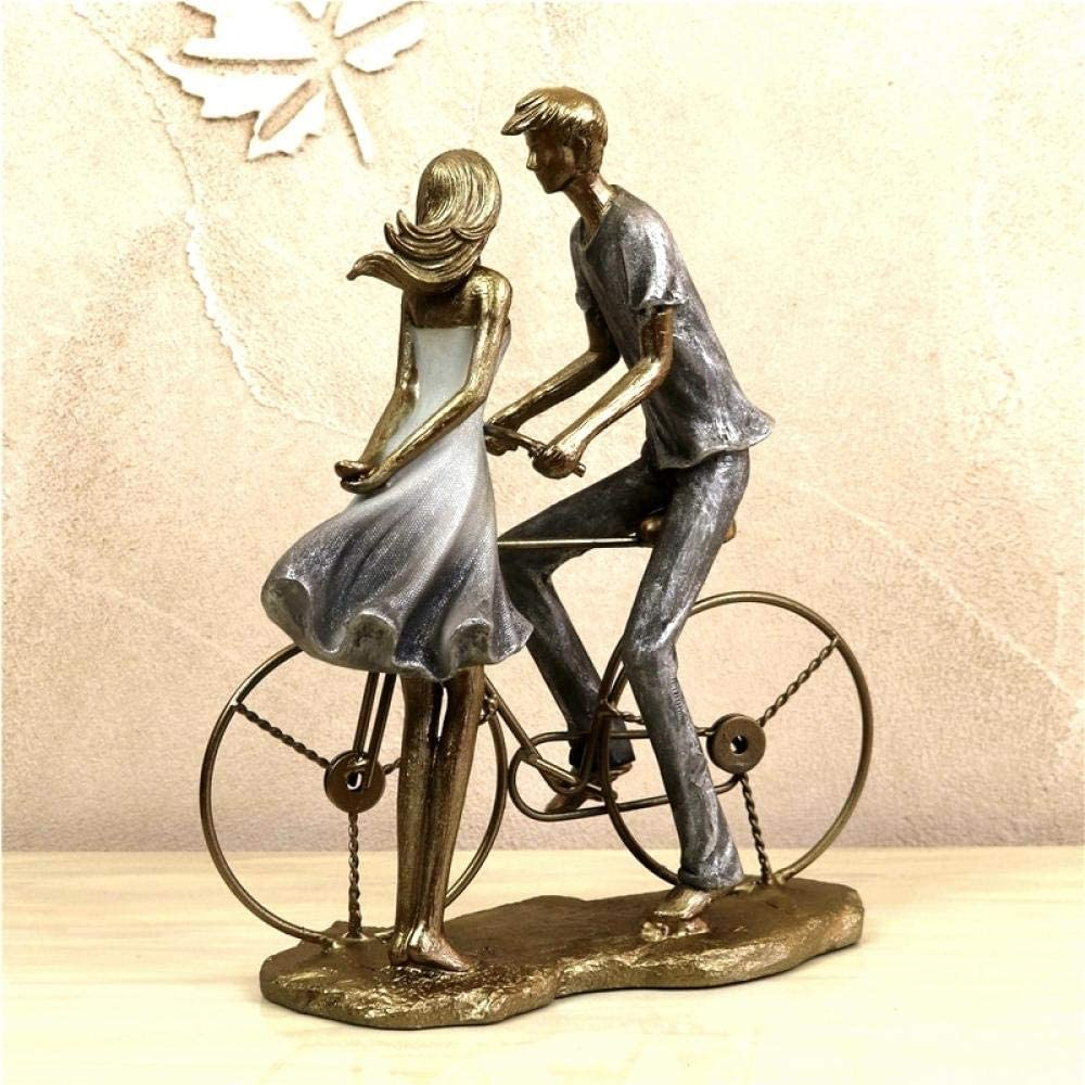 ejemplo de pareja con una bicicleta