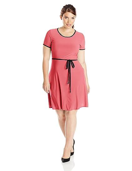 65d64fd73ee Star Vixen Women s Plus-Size Short Sleeve Tipped Skater Dress with Tie  Belt