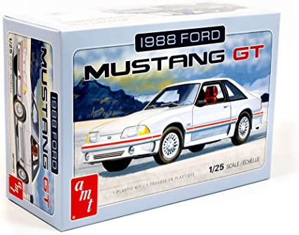 Amazon Com Amt 1988 Ford Mustang 2t 1 25th Scale Model Kit Toys Games