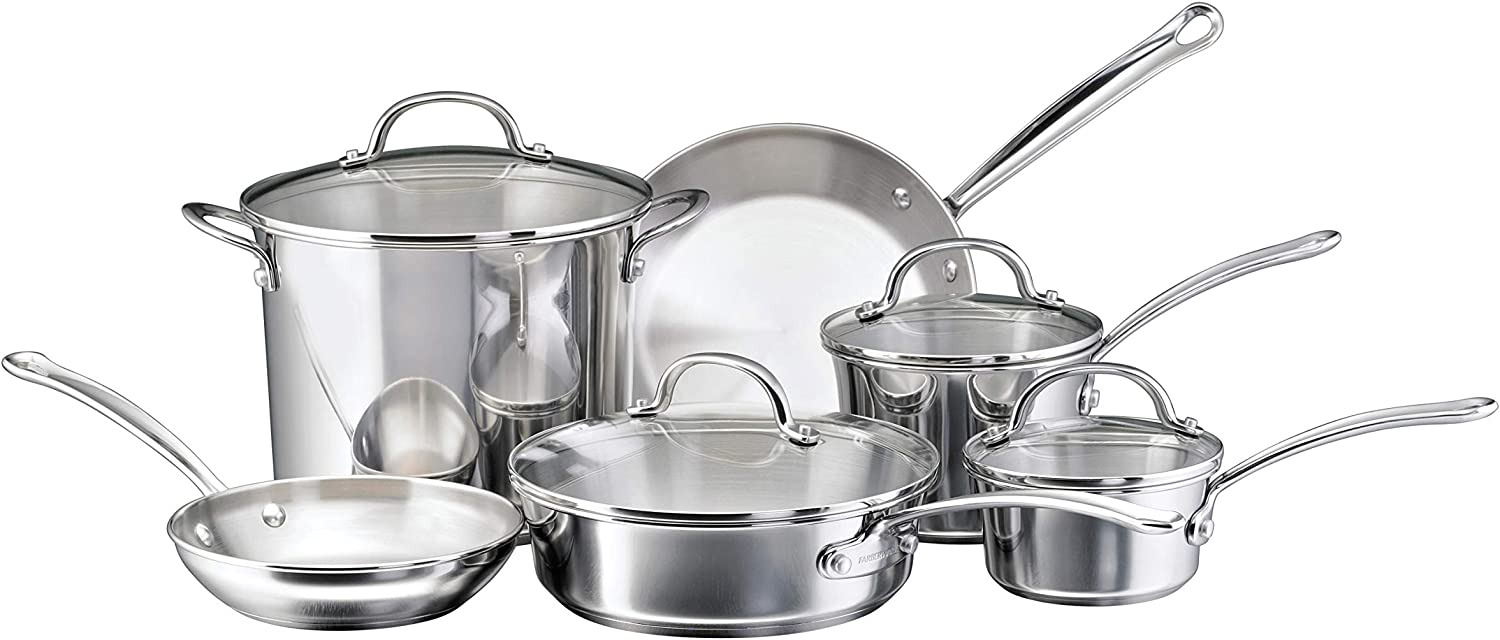 Best stainless steel cookware reviews. The picture of a Farberware stainless cookware set.