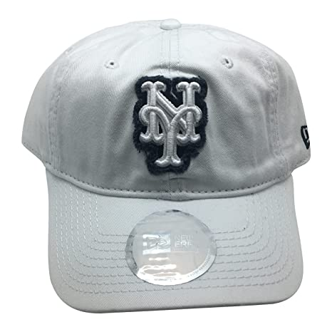 huge discount a551d 08a33 Image Unavailable. Image not available for. Color  MLB New York Mets Shabby  Logo Classic Strapback Adult Cap Hat