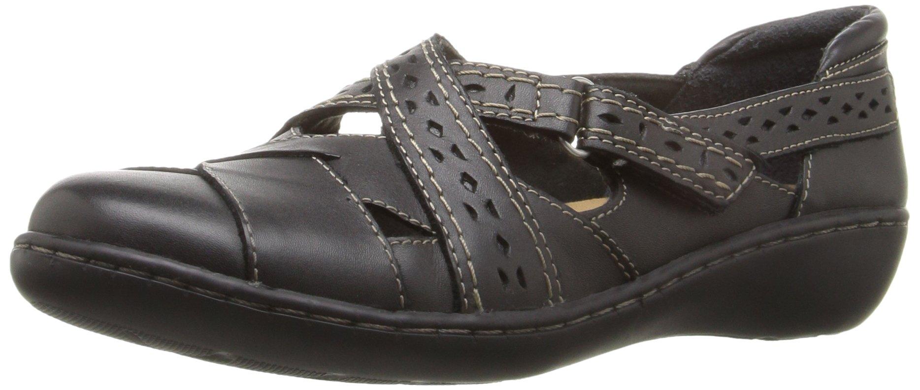 CLARKS Women's Ashland Spin Q Slip-on Loafer, Black, 8.5 B(M) US