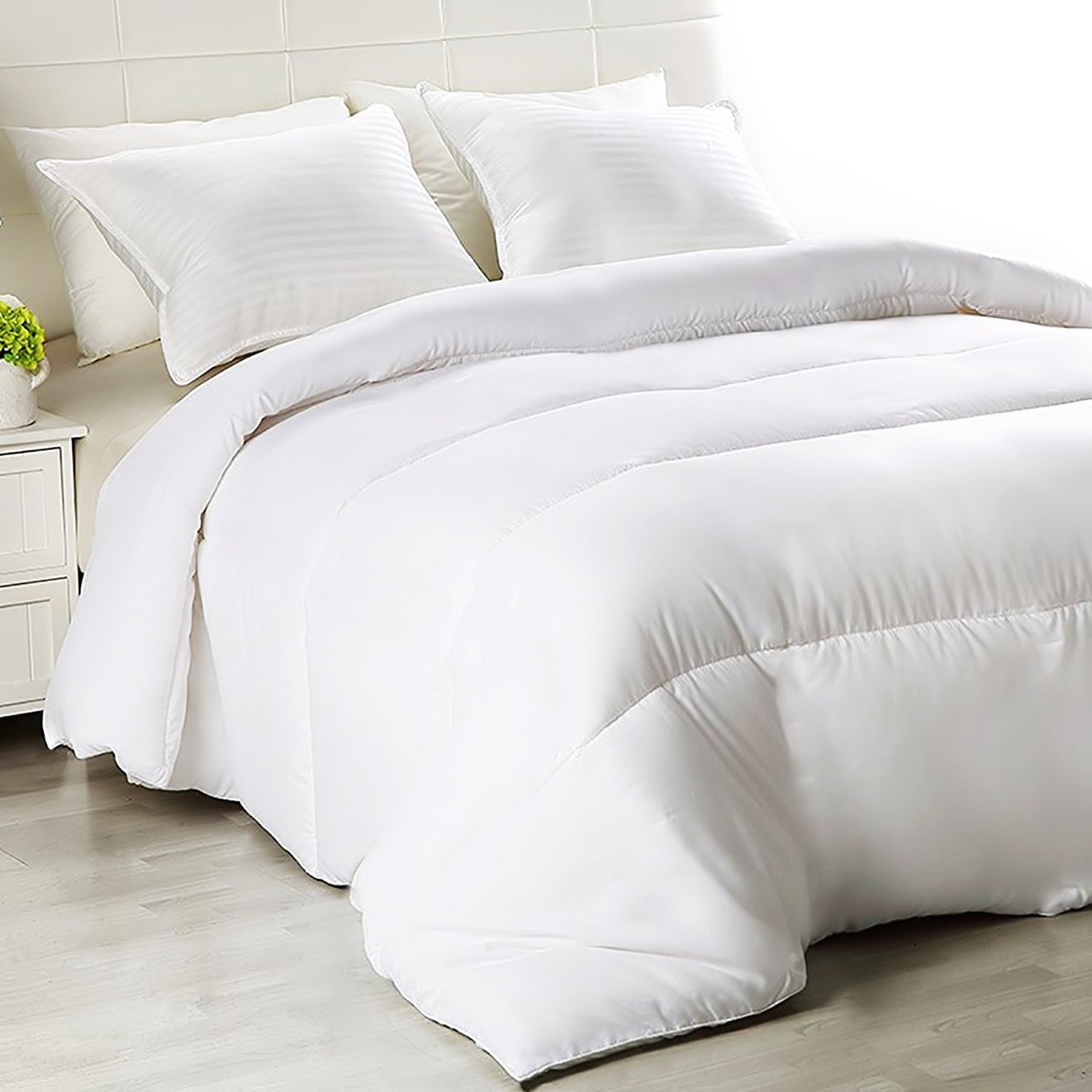 Equinox Thin Duvet Insert (86''x 86'') - White, All Season Down Alternative Comforter Insert, Hypoallergenic, Soft, Plush Microfiber fill, Machine Washable, Queen Size