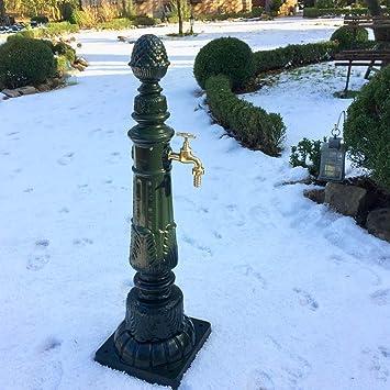 Antikas Gartenbrunnen Mit Wasserhahn Nostalgie Zapfstelle Garten