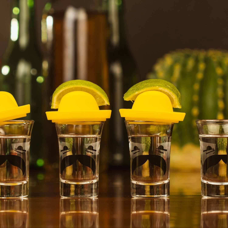 3.3 x 5.3 x 3.3 cm Set de 4 Shots//Vasos y Sombreros para Lemon Thumbs Up