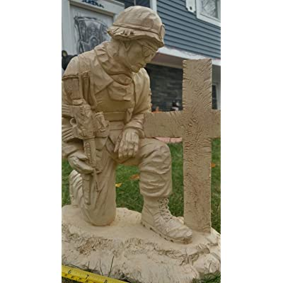 PolePalUSA Kneeling USA Soldier Statue Lawn Ornament : Garden & Outdoor