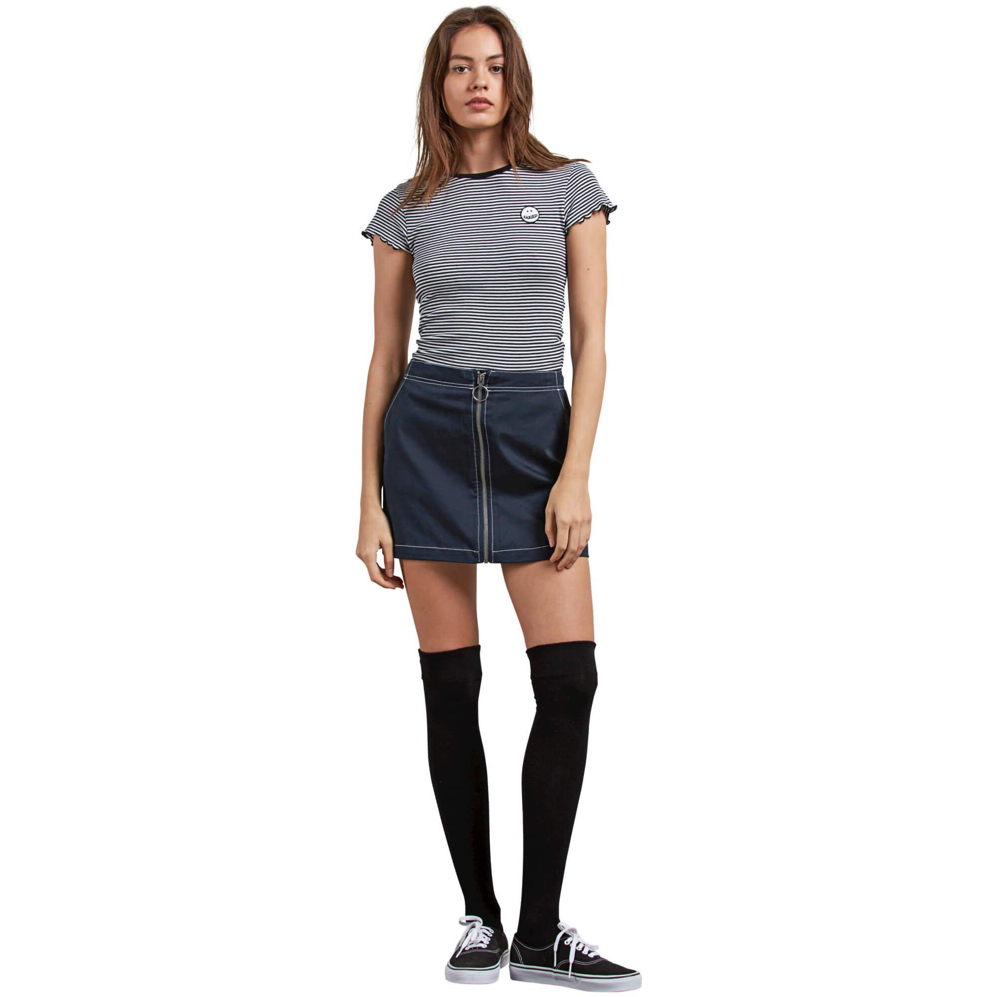 Volcom Junior's Frochickie Classic Plaid Mini Skirt, Navy, Small by Volcom