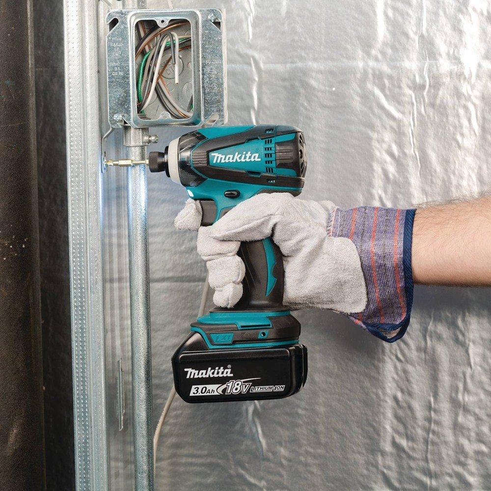 71BzF%2BiAUaL._SL1000_ Makita XT702 18V LXT Lithium-Ion Cordless Combo Kit Review