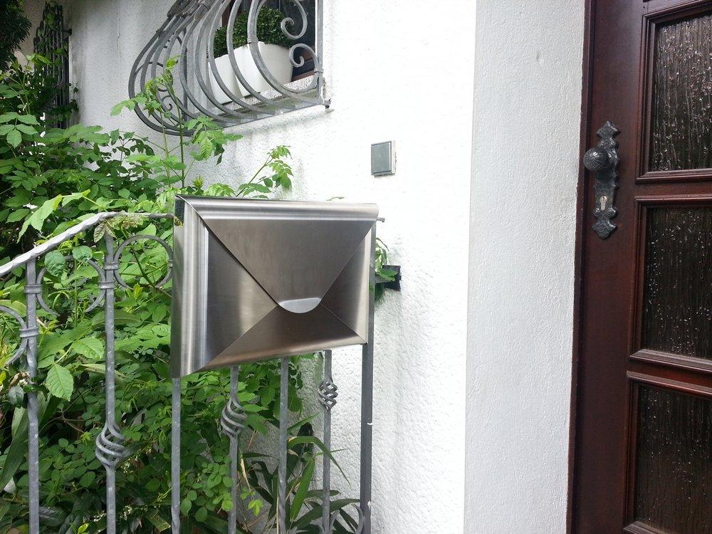 A forma di cassetta portalettere Sobre A3/in acciaio inox.