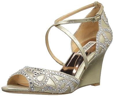 f5b860e8449 Amazon.com  Badgley Mischka Women s Winter Wedge Sandal  Shoes