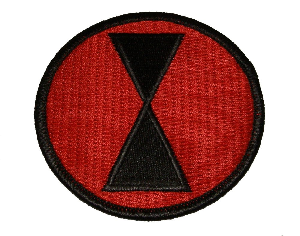 Amazon.com   7TH INFANTRY DIVISION ROUND SHOULDER PATCH - Black on Red  Background - Veteran Owned Business   Everything Else 09f077d0eb8