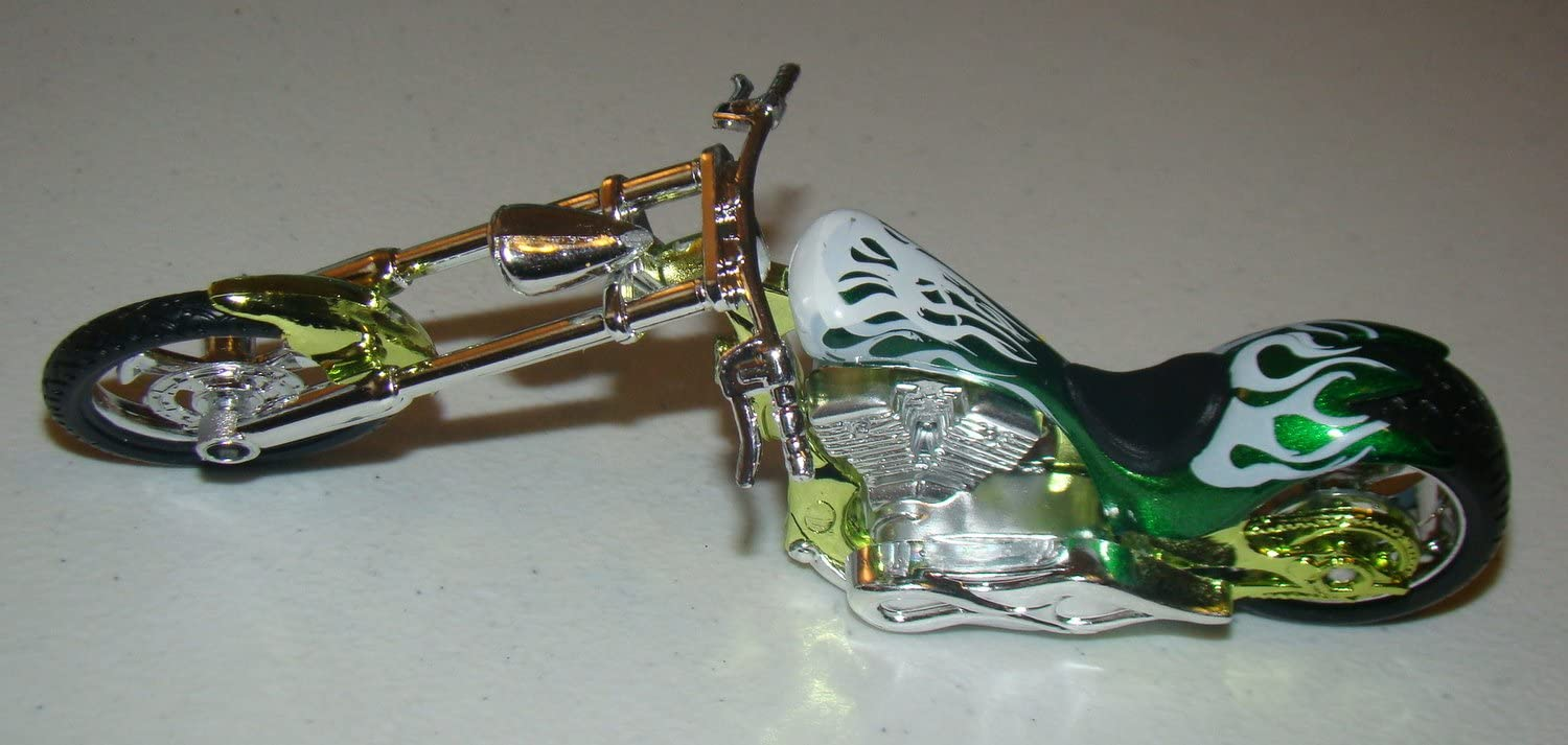 Green MotorMax 6-inch Iron Choppers 1//18 Scale Motorcycle