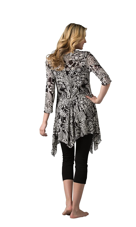 fd6e588532a Kaktus Women s Plus Size Asymmetrical Floral Print Tunic (1X