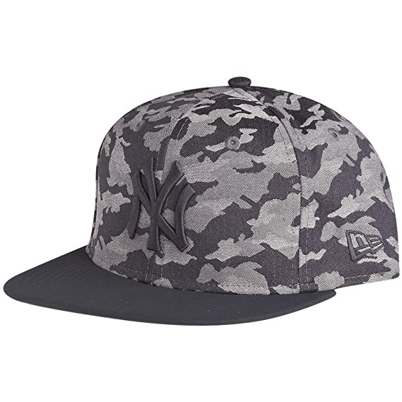 935d8da9eda New Era and MLB Camo 9Fifty Snapback Flatbill Cap ~ New York Yankees Camo   Amazon.co.uk  Clothing