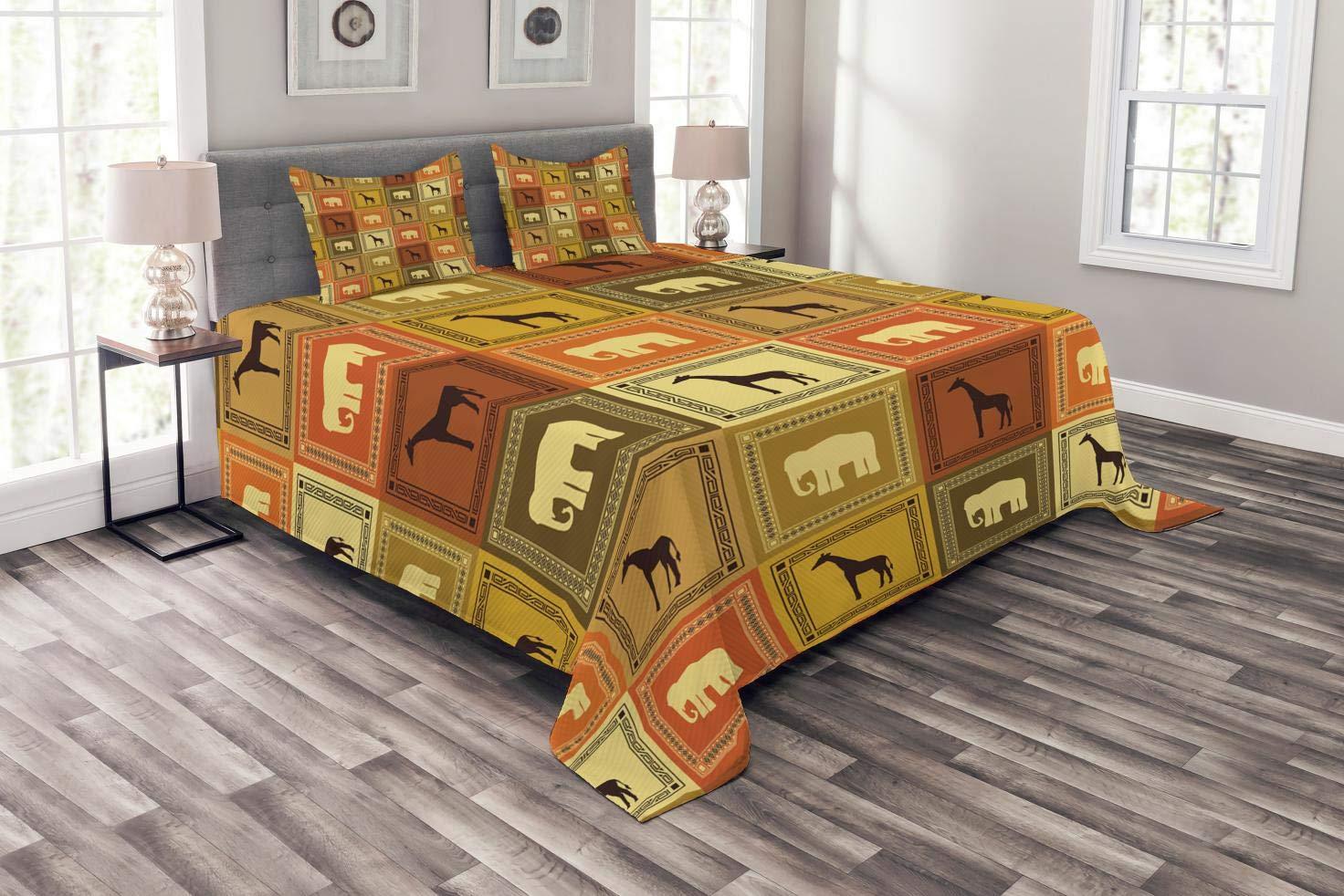 Abakuhaus Safari Tagesdecke Set, Afrikanische Tiere Muster, Set mit Kissenbezügen Klare Farben, für Doppelbetten 264 x 220 cm, Schwarz Braun