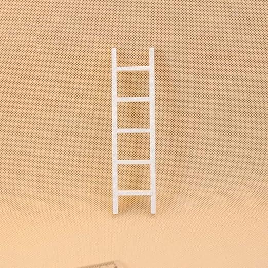 Faironly - Escalera de Madera Blanca para muñecas de 1:12, Accesorios para niños: Amazon.es: Hogar